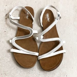 Mossimo White and Silver Sandals